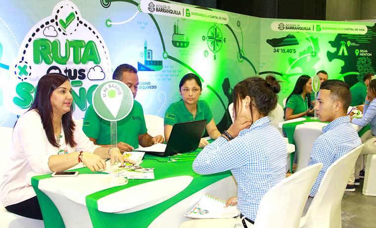 En feria 'Proyéctate', jóvenes de Barranquilla reciben orientación académica