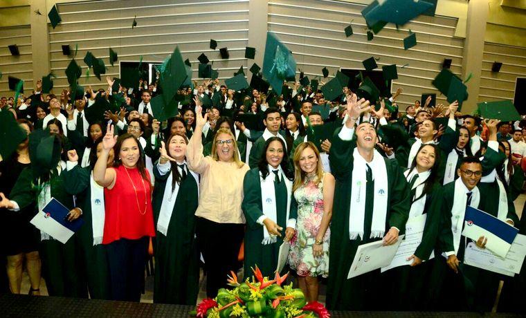 362 estudiantes se gradúan como técnicos y tecnólogos, gracias al programa Universidad al Barrio