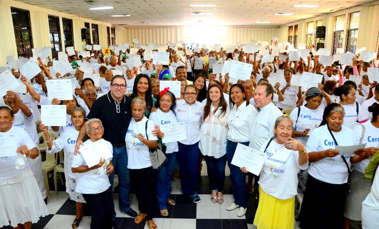 1.500 estudiantes se graduaron del programa 'Cero analfabetismo'