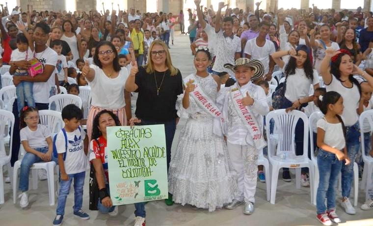 Recargados de energía, estudiantes de colegios distritales iniciaron un nuevo año escolar