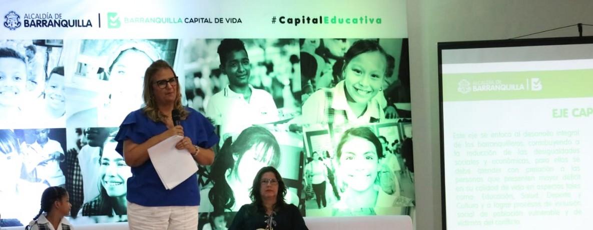 Ante la comunidad del barrio La Esmeralda, Distrito presentó logros educativos 2018