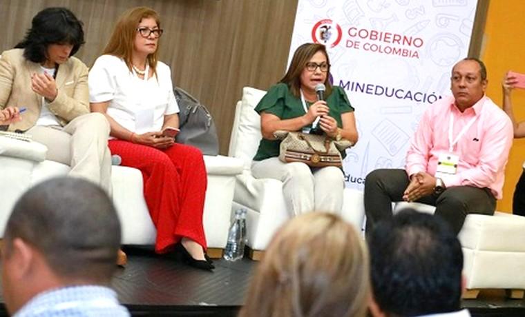 Comunidad educativa de Barranquilla se une a la construcción del Plan Nacional de Desarrollo de MinEducación
