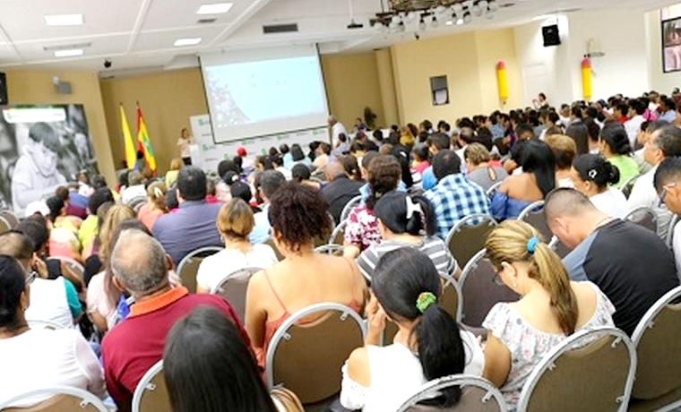 En semana institucional, docentes del Distrito reciben formación pedagógica por una educación de calidad
