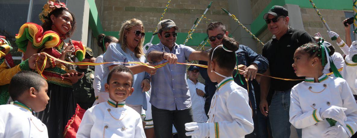 2.000 estudiantes de la IED Marco Fidel Suárez estrenan 14 aulas